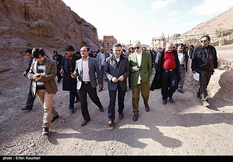 http://newsmedia.tasnimnews.com/Tasnim//Uploaded/Image/1393/10/18/139310181313086534462274.jpg