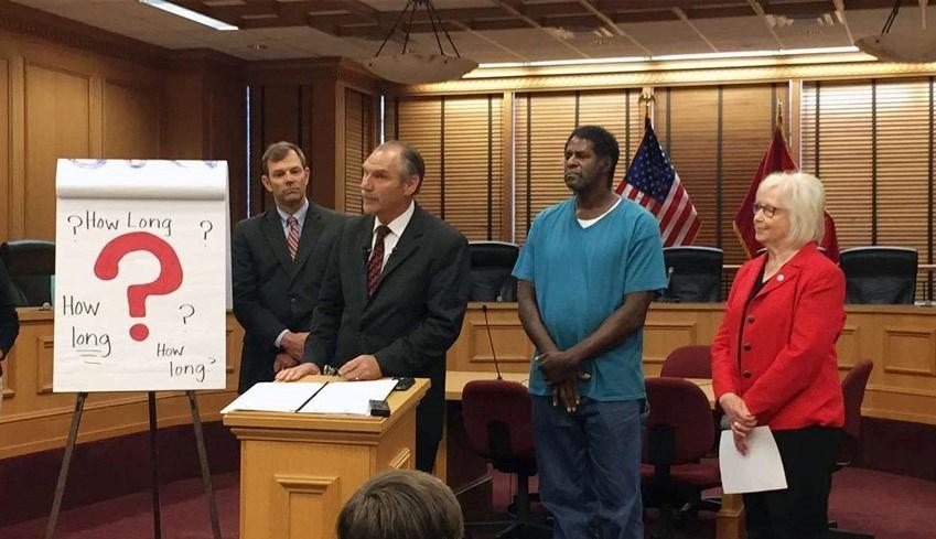 ۷۵ دلار خسارت تاوان ۳۱ سال زندان اشتباهی