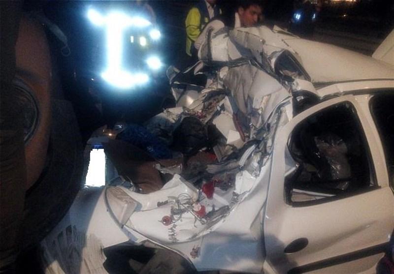 محبوس شدن سرنشنیان رانا پس از تصادف شدید با کامیون