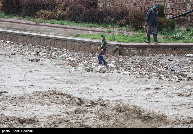 Flash floods kill 17 in northwest Iran