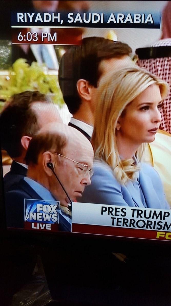 خوابیدن مسئولان اسلامی و آمریکایی در زمان سخنرانی ترامپ در ریاض + تصاویر
