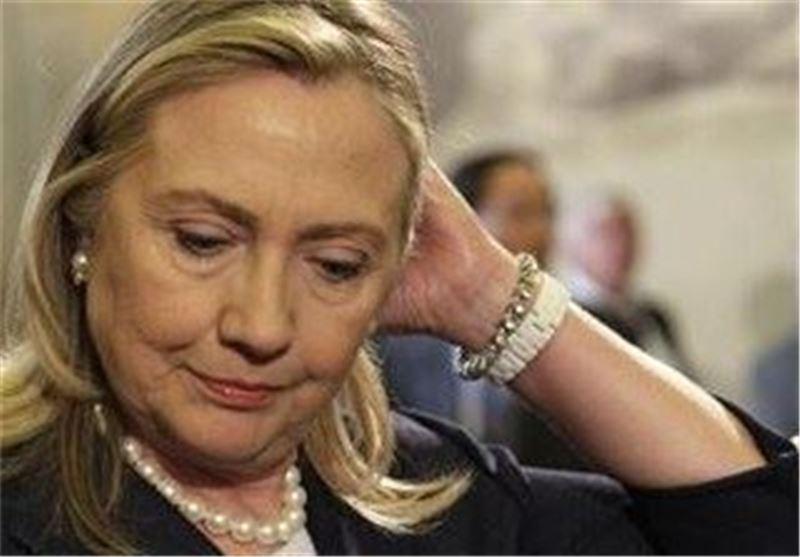 """فیدیو.. کلینتون تغادر مراسم ذکرى 11 سبتمبر لاصابتها """"بوعکة صحیة"""""""