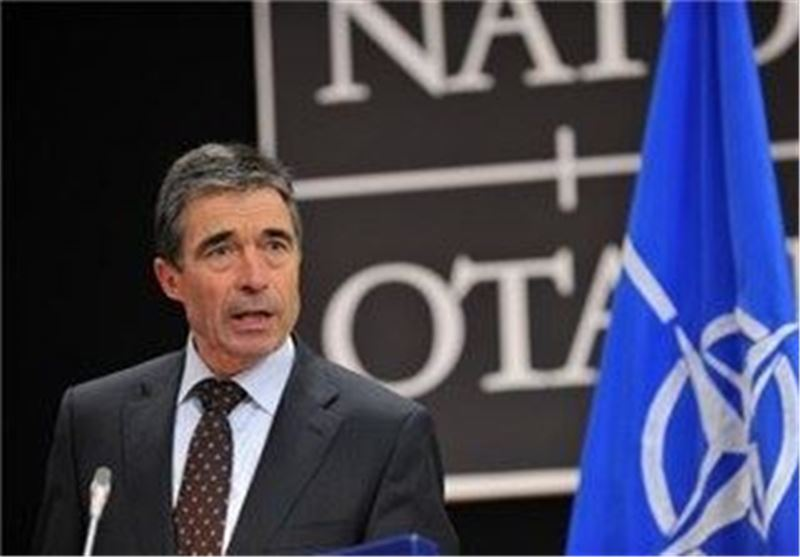 NATO Chief Asks Karzai to Sign Security Agreement with Washington