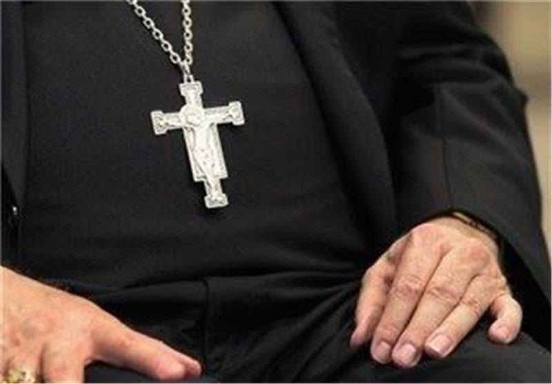 مسیحیت تبشیری به نام دین برای اهداف خود دست و پا میزند