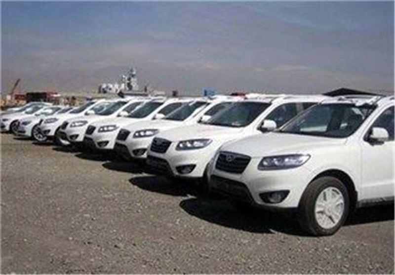 بیاطلاعی وزیر صنعت از تصمیم اصلاح مصوبه دولت/ خودروها بعد از 16 مرداد اجازه ترخیص ندارند