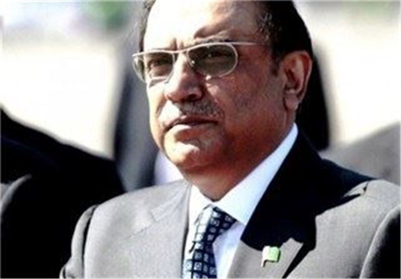 Pakistani Top Court Seeks to Ban Zardari from Leaving Country