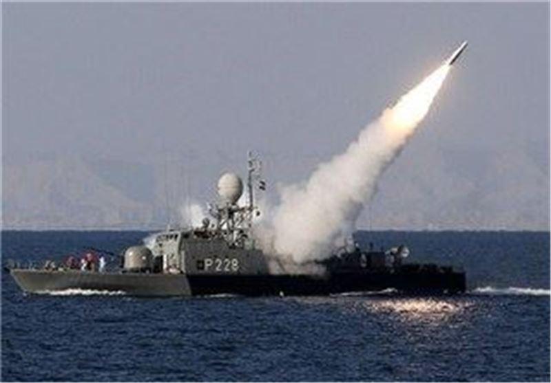شلیک موشک در رزمایش نیروی دریایی ارتش
