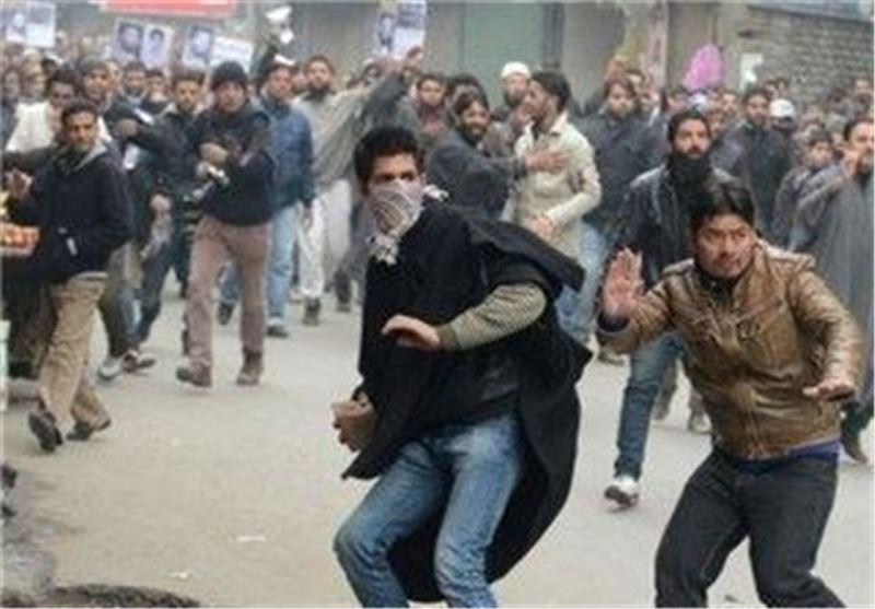 Thousands Flee Fresh Kashmir Fighting