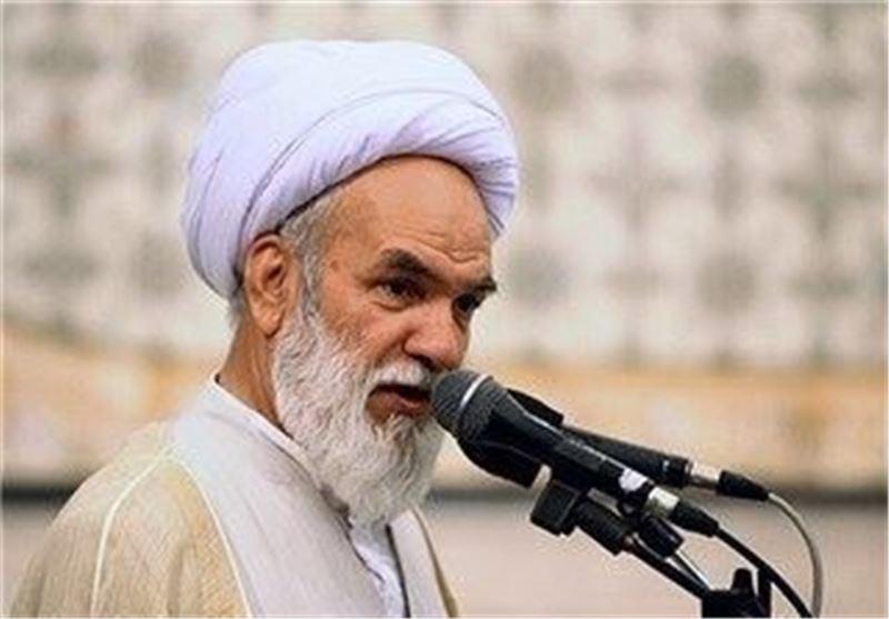 عضو رابطة علماء الدین المجاهدین: وضع الاقتصاد المتأزم فی أمریکا سببه تعنت قادتها