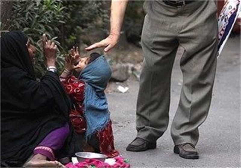 جمع آوری بیش از 390 دست فروش از معابر منطقه 6 مشهد