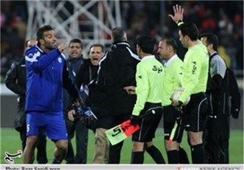 تمام تشکیلات فوتبال برای دفاع از داوران ورود کنند/ داوران جام جهانی صبور نیستند
