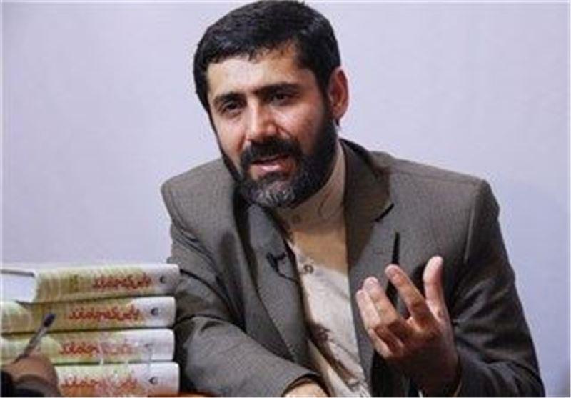 """نویسنده کتاب """"پایی که جا ماند"""": تفکر انقلابی ملت ایران تمام معادلات دشمن را بهم زده است"""