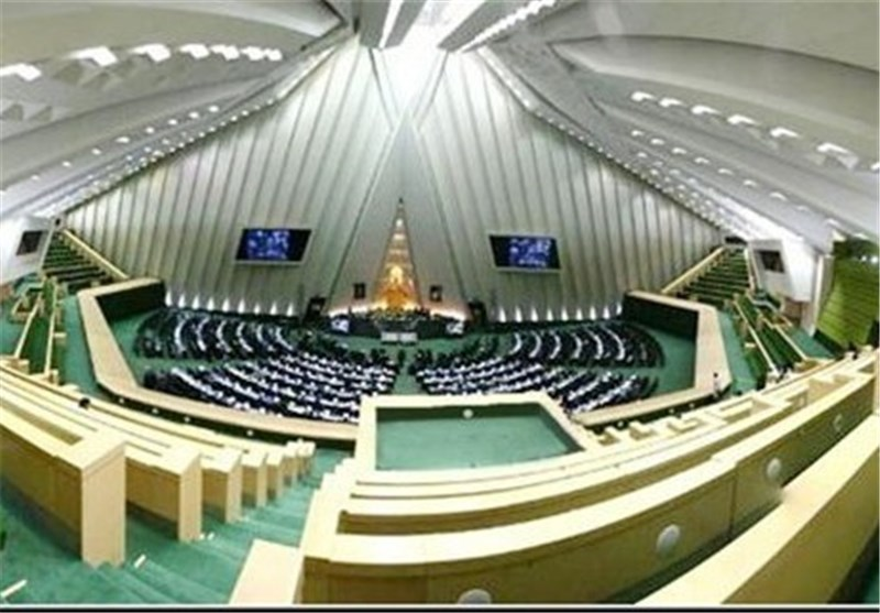 Iranian Parliamentary Delegation Leaves for Seoul