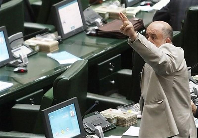 اعتراض نماینده ارومیه به عدم واریز عوارض شهرداریها و دهیاریها به حساب درآمدهای عمومی