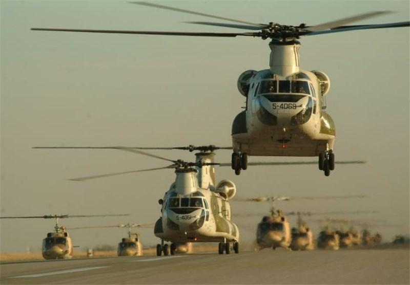 رزمایش ارتش  بالگردهای ارتش شب گذشته برای نخستین بار عملیات شبانه اجرا کردند