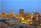 توافق کمیسیون انرژی و صنایع مجلس بر نرخ 18 سنت خوراک پتروشیمیها