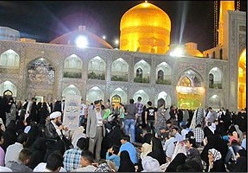 ویژه برنامه شام غریبان حسینی در حرم رضوی برگزار میشود