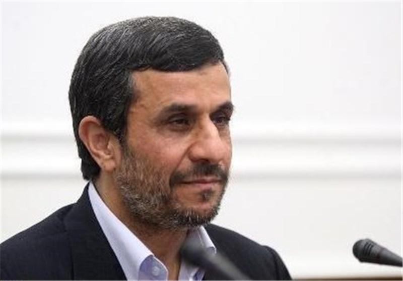 أحمدی نجاد: مسألة منع خاتمی من مغادرة البلد موضوع قضائی ولاترتبط بی أبدا