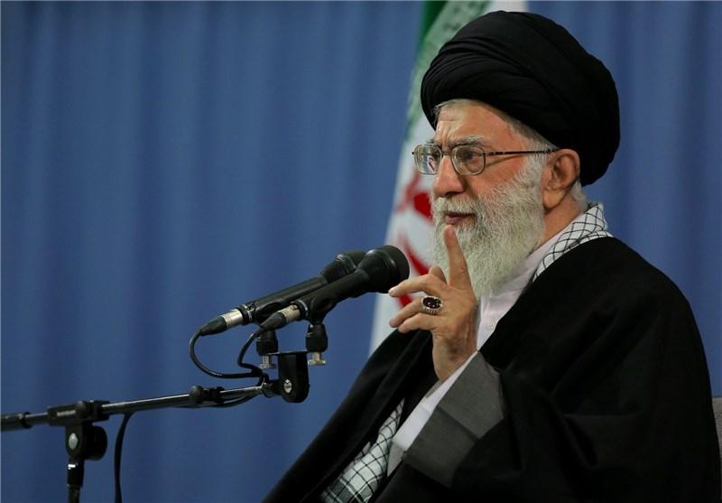 مردم، انسان مؤمن، انقلابی، اهل استقامت، ایستادگی و برخوردار از همت جهادی را انتخاب کنند