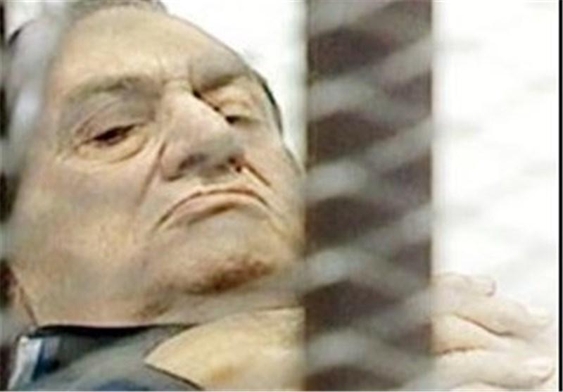 دبلوماسی مصری : الإمارات العربیة تدفع الملیارات لإعادة المخلوع مبارک إلى السلطة !؟