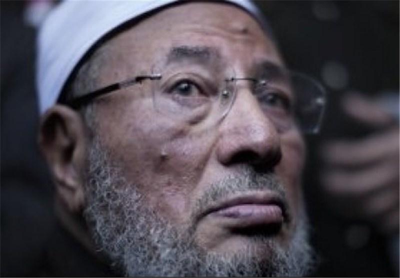شیخ الفتنة یوسف القرضاوی یفتی بوجوب التظاهر والنزول الى الشوارع