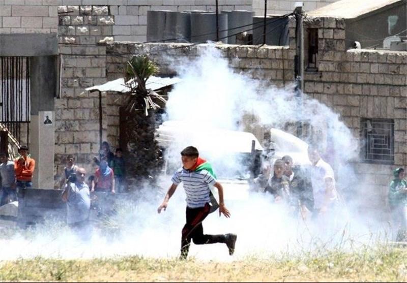Nakbe Günü Yürüyüşünde Siyonist Askerler Filistinli Gençlere Saldırdı