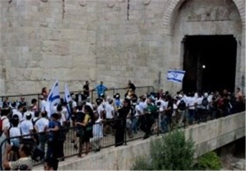 المستوطنون الصهاینة یقتحمون المسجد الاقصى صباح الیوم والمرابطون یتصدون لهم