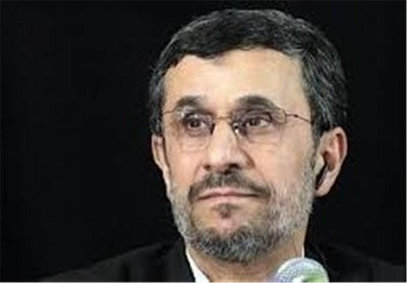 احمدی نجاد یکشف عن محادثات فی روسیا لحل قضیة منظومة اس 300 الصاروخیة