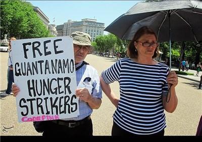 تجمع مردم امریکا برای آزادی زندانیان گوانتانامو مقابل کاخ سفید
