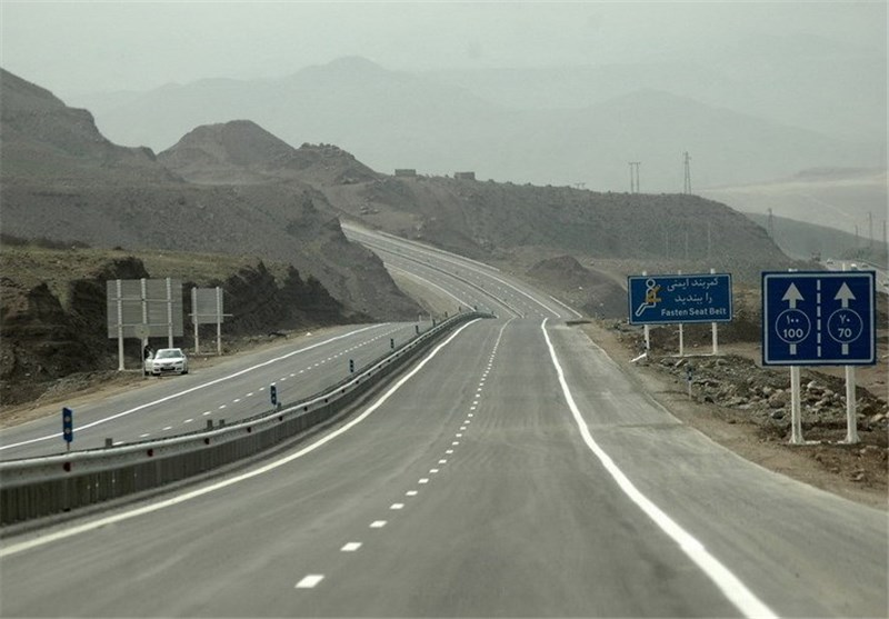 فقدان راه و بزرگراه آذربایجان غربی را غریب کرده است