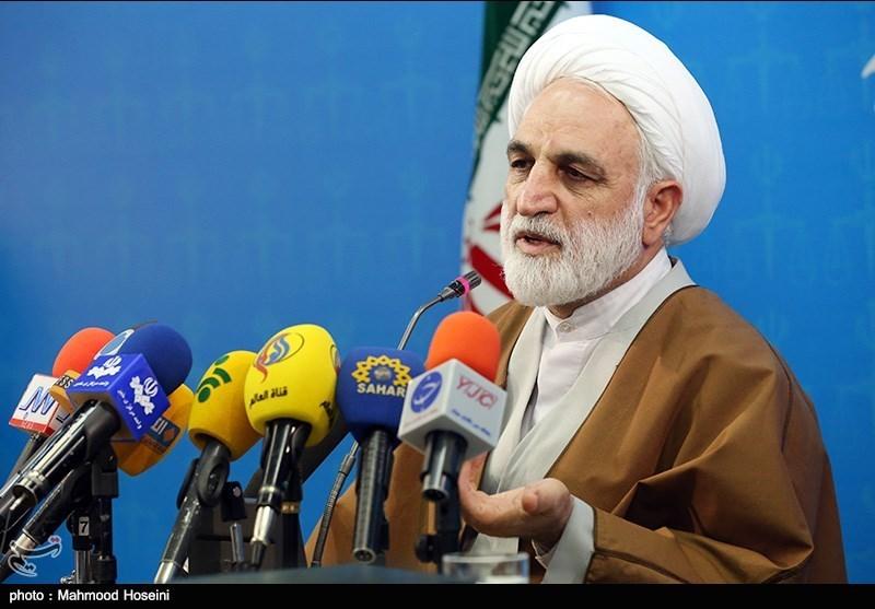 دادستان کرج ادعای نسرین ستوده را تکذیب کرده است/محاکمه پزشک تبریزی ماه آینده