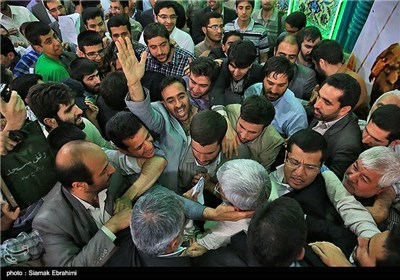 استقبال حماسی مردم اراک از سعید جلیلی