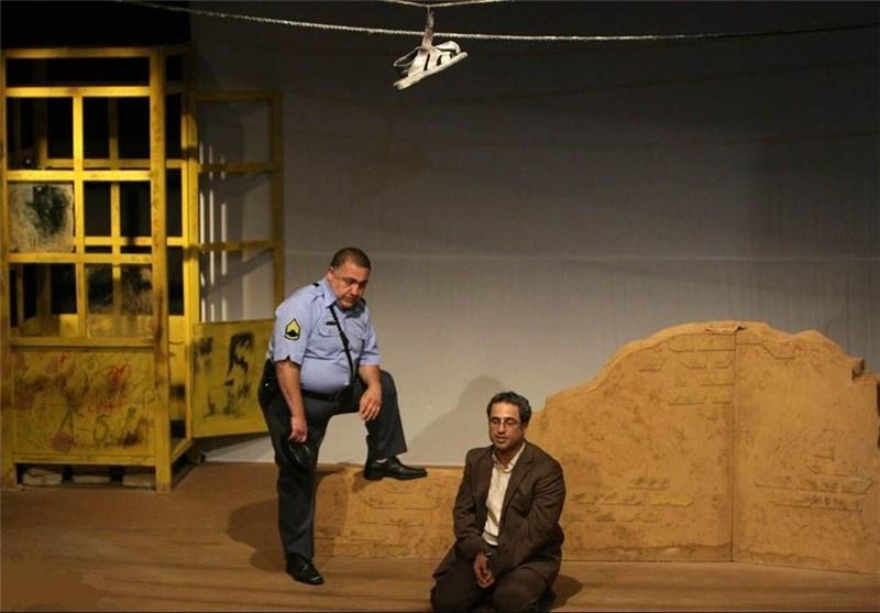 نمایش گروههای تئاتر خیابانی در روز ملی کرمانشاه