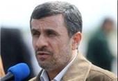 أحمدی نجاد یعلن عدم دعمه مرشحا محددا فی الانتخابات الرئاسیة ویؤکد: مسیرة تقدم الشعب الایرانی لن تتوقف