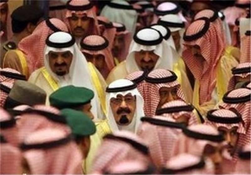 مصدر خلیجی یکشف عن تیارات متصارعة داخل عائلة ال سعود فی ظل رقابة مشددة على الامراء