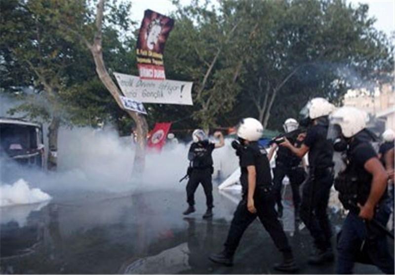تظاهرات جدیدة فی اسطنبول والشرطة تستخدم الغاز المسیل للدموع لتفریقها