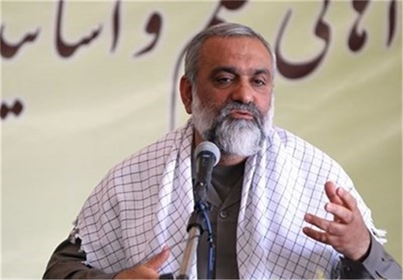Commander: Iran to Continue Rejecting US Hegemony
