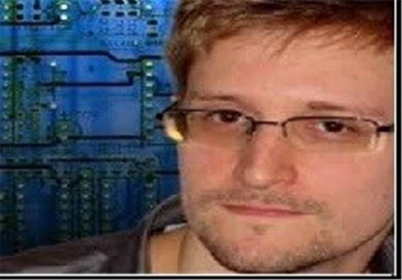 اسنودن یسحب طلب اللجوء فی روسیا