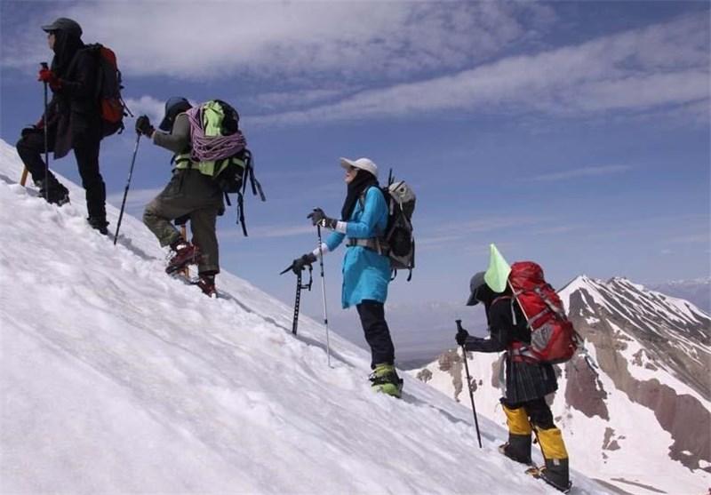 ورزشکاران کوهنوردی با بودجه خود صعودها را انجام می دهند
