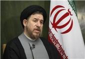 میرتاجالدینی: احمدی نژاد خودش را با حمله به رقبا مطرح می کند
