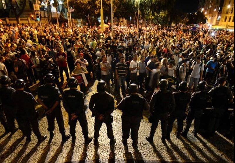 سرکوب تظاهراتهای شهروندان برزیلی توسط پلیس