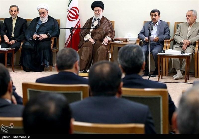 القائد الخامنئی : الحکومة الحالیة عملت على تکریس اهداف الثورة الاسلامیة