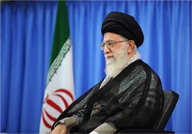 القائد الخامنئی یشارک فی حملة تبرع لاطلاق سراح سجناء الدیون