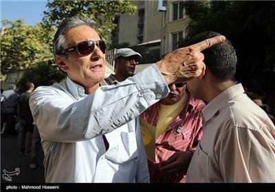 همایون ارشادی در تجمع سینماگران مقابل خانه سینما