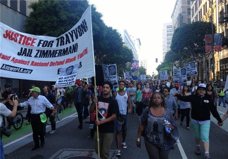 حضور گسترده مردم لسآنجلس در چهارمین روز تظاهرات علیه آزادی قاتل نوجوان سیاهپوست
