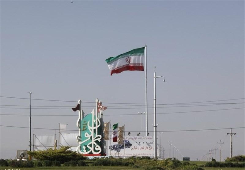 پرچم 72 متری در ورودی های اردبیل به اهتزاز در آمد