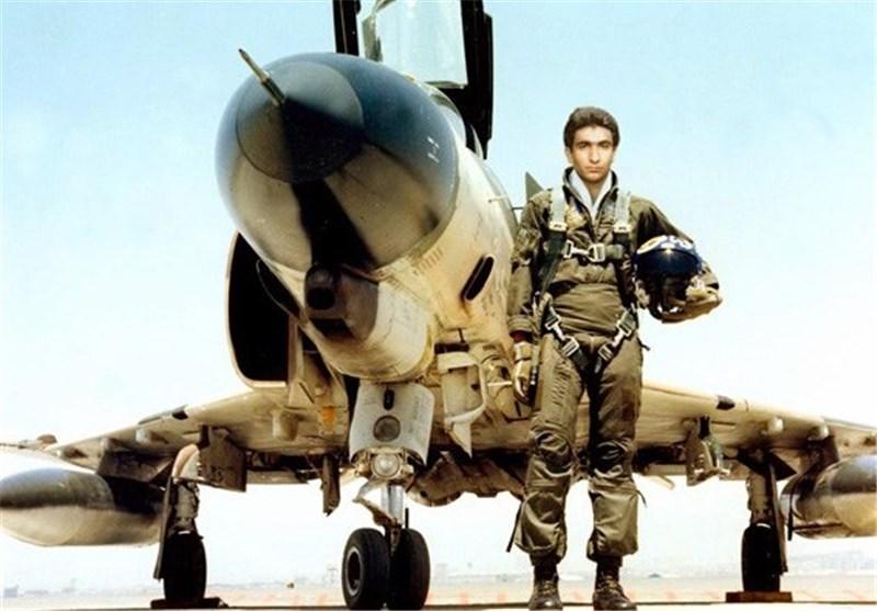 جزئیاتی از خاطره بازگشت تابوت سبُک خلبان شهید دوران+فیلم
