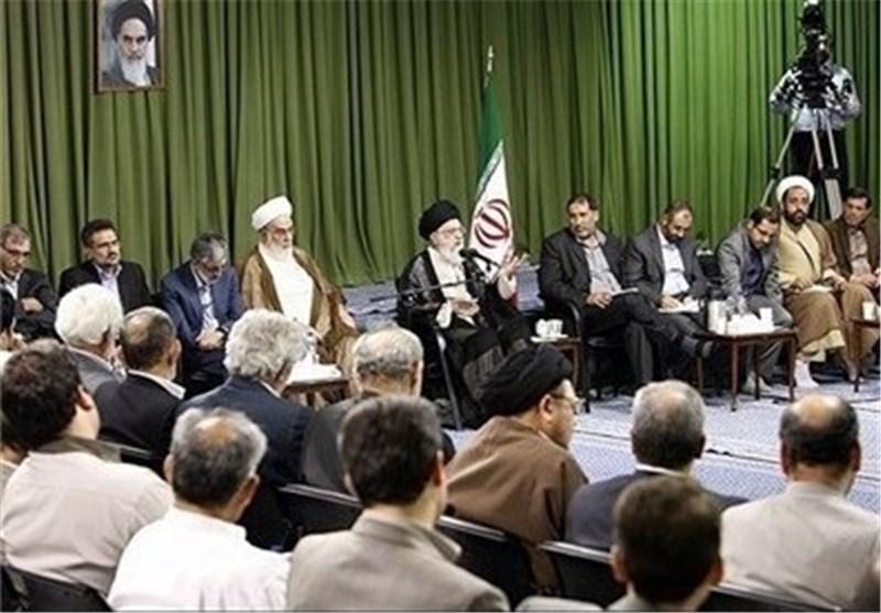 رهبر ایران همانند یک منتقد حرفهای به شاعران تذکر ادبی میدادند