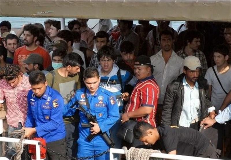 کشته شدن 3 پناهجو در حادثه غرق قایق در آب های اندونزی