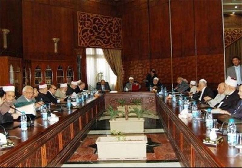 """علماء الازهر یطالبون عقد جلسة طارئة لبحث """"تطاول"""" القرضاوی على الطیب"""